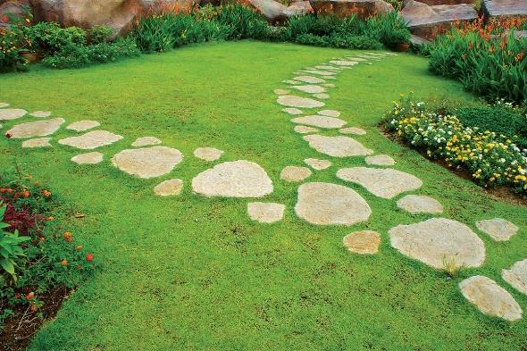 Дорожка садовая из камня