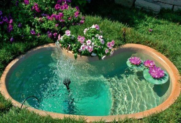 Какой насос выбрать для пруда в саду