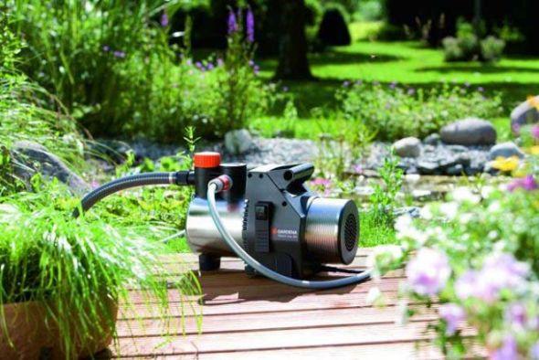 насос для пруда в саду