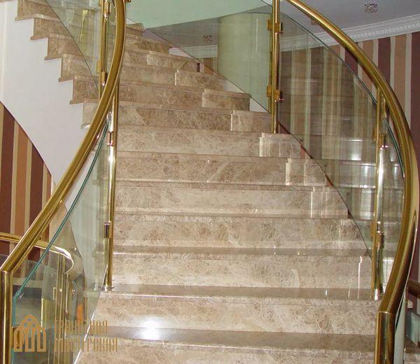 Преимущество лестницы из натурального камня